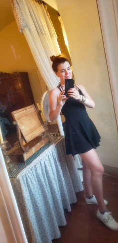 mirror selfie in the room :)