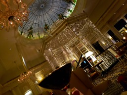 We took our wine to Thames Foyer where we had dessert and listened to live jazz