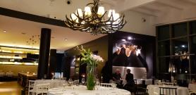 love the decor!